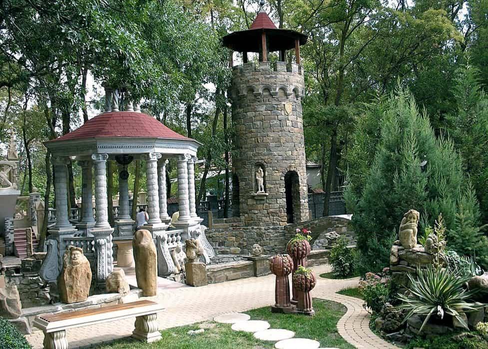 Парк, алея цивилизаций, кабардинка